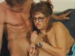 فروشنده برای کسب پول و حداکثر گروه کانال سکسی مربی وسوسه شد