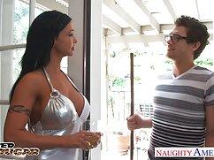مامان با لینک عضویت کانال سکسی تلگرام لباس روی میز